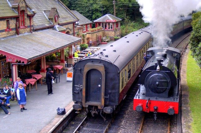 Lakes Getaways Haverthwaite_Station